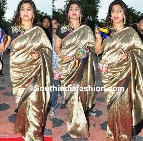 pinkyreddy_gold_kanjeevaram_saree_at_tsrtv9_awards