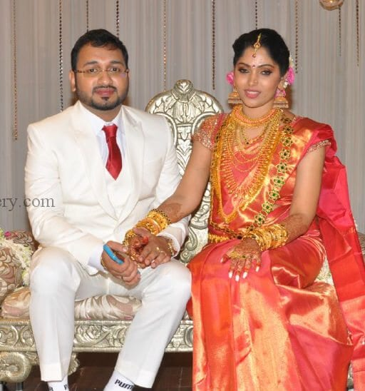 Muktha Rinku Tomy Engagement And Wedding Photos South