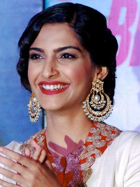 sonam_kapoor_earrings