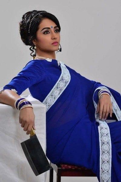 trisha in nayaki first look poster