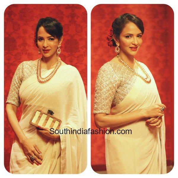 lakshmi_manchu_in_saree