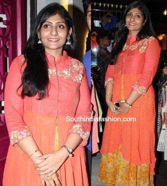 allari_naresh_wife_virupa_latest_images