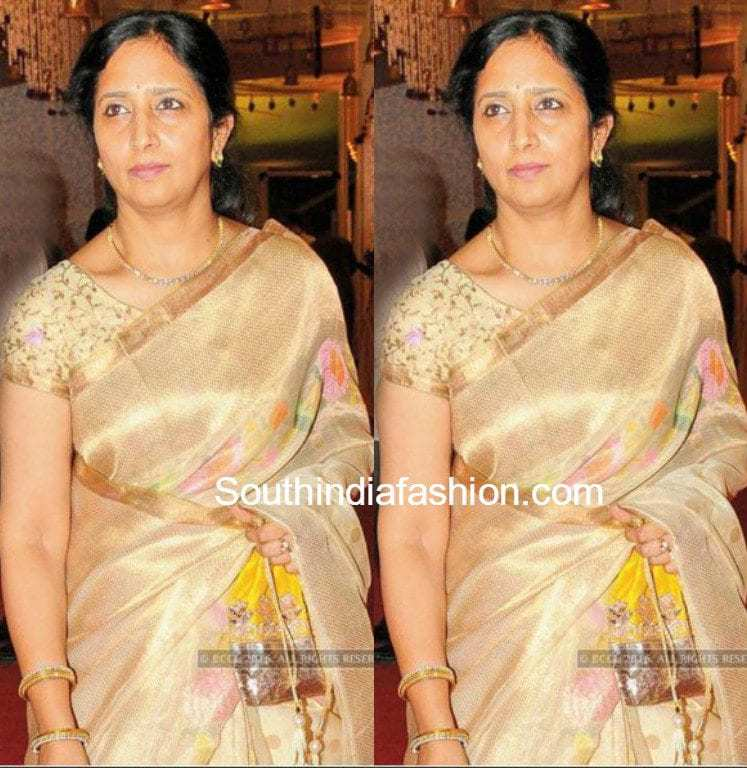 venkatesh wife neeraja spotted at a wedding �south india