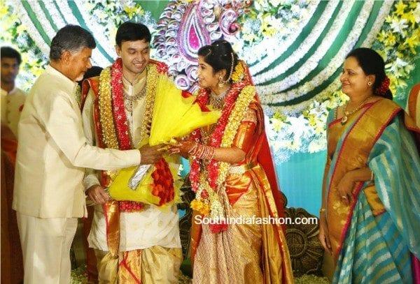 chandrababu_at_vasundhara_son_marriage