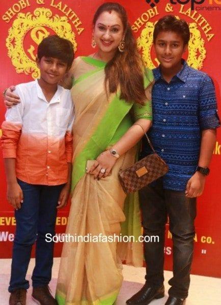 preetha_vijaykumar_at_shobi_daughter_birthday