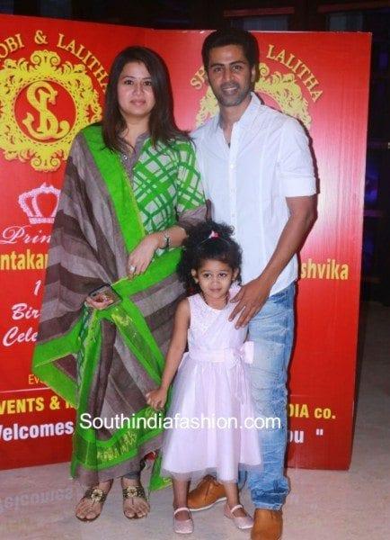 sangeetha_family_at_shobi_paulraj_daughter_ashvika_birthday