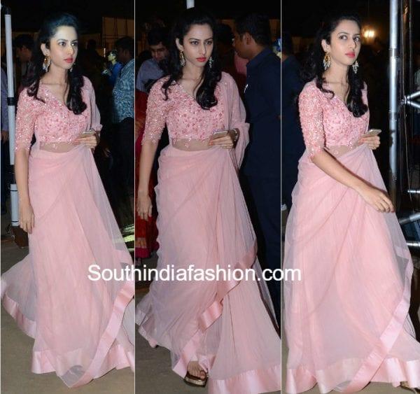 balakrishna-daughter-tejaswini-pink-anarkali-gautamiputra-satakarni-audio-launch