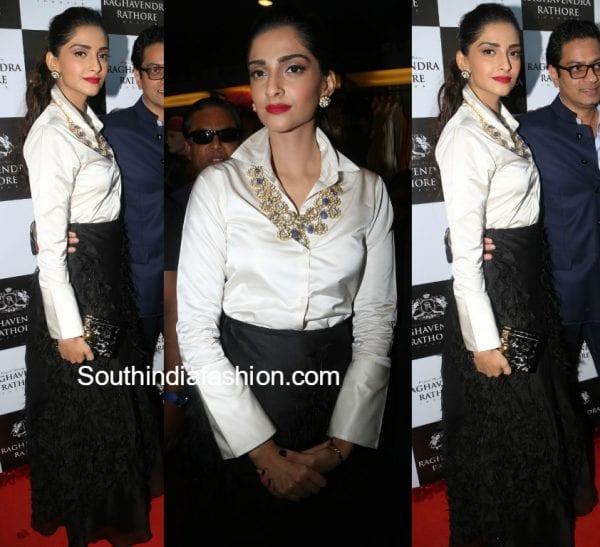 sonam-kapoor-skirt-raghavendra-rathore-store-launch