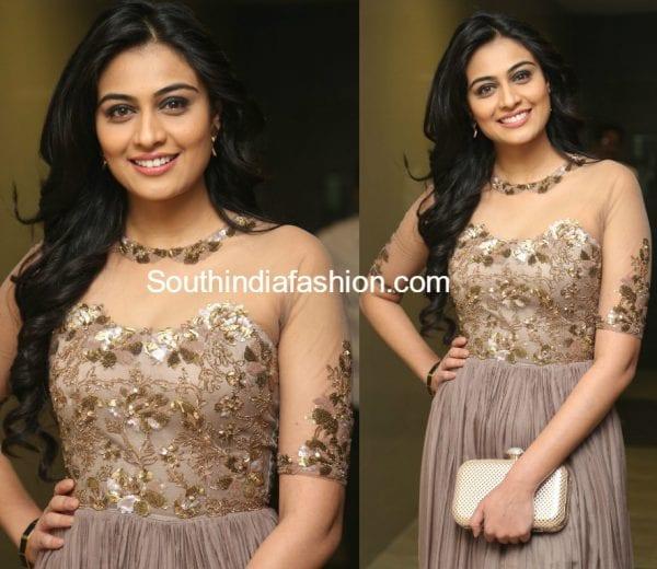 neha-hinge-srivalli-audio-function-gown