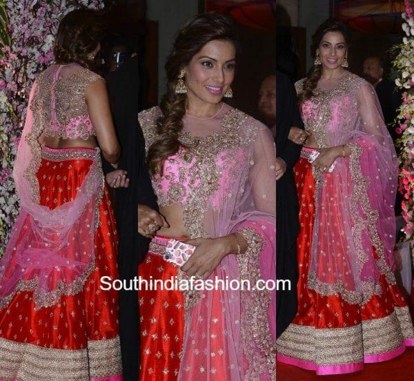 bipasha-basu-anushree-reddy-lehenga-neil-nitin-rukmini-wedding-reception