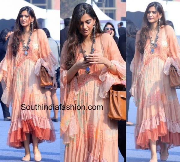 sonam-kapoor-chloe-dress-india-art-fair-2017