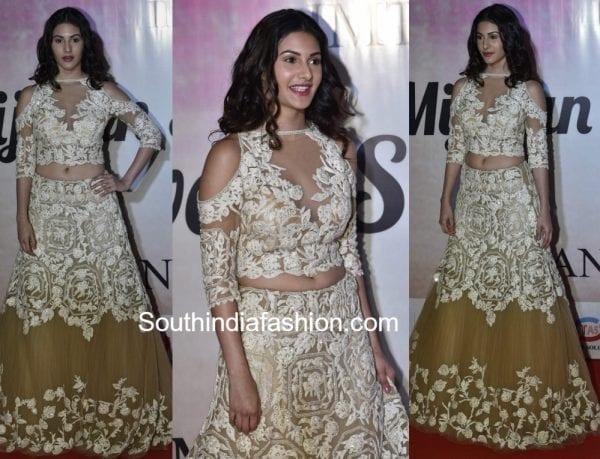 amyra-dastur-manish-malhotra-lehenga-mijwan-fashion-show