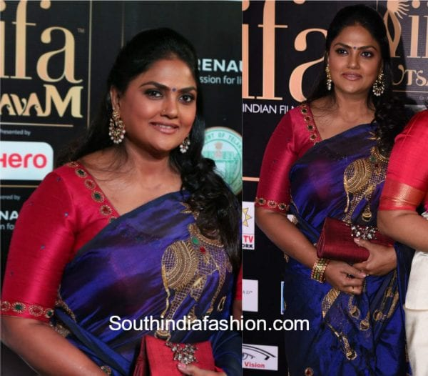 nirosha-blue-saree-nandi-motifs-iifa-utsavam-awards-2017