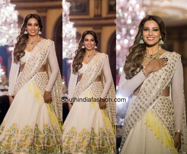 Bipasha Basu's Traditional Look at the Tech For Change Charity Fashion Event