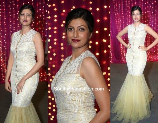 Hamsa Nandini in a white gown at Zee Apsara Telugu Awards 2017