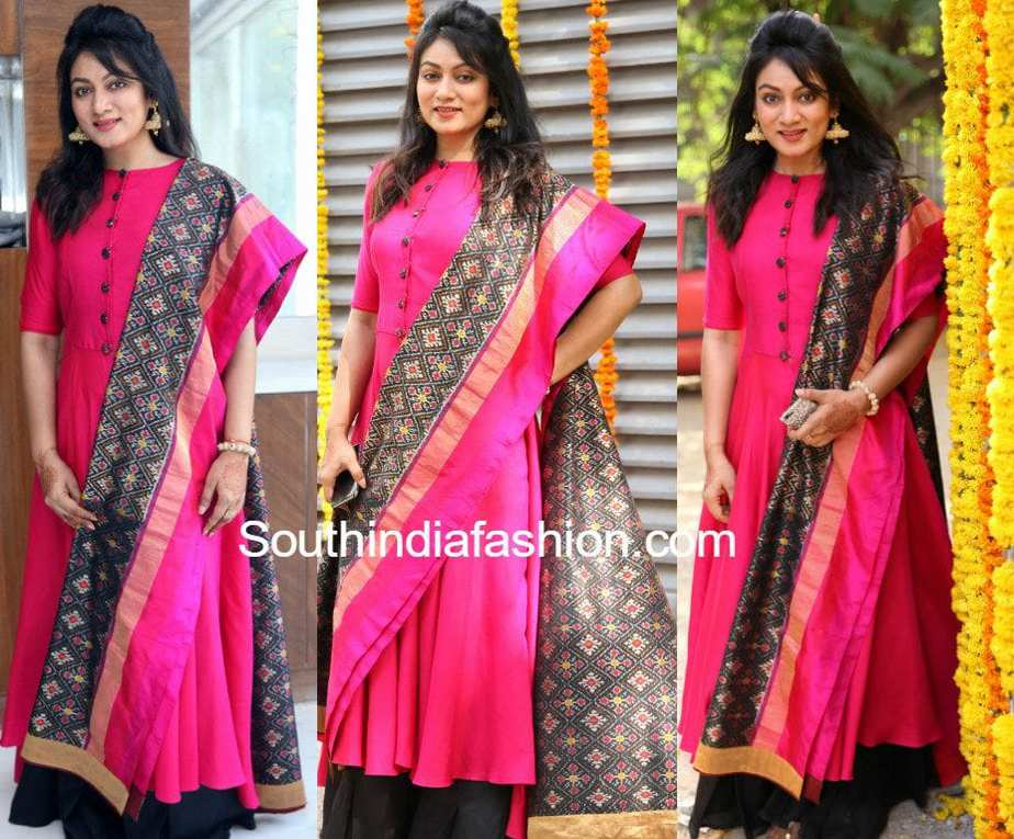 Ashmita Karnani In A Pink Kurta And Ikat Dupatta South