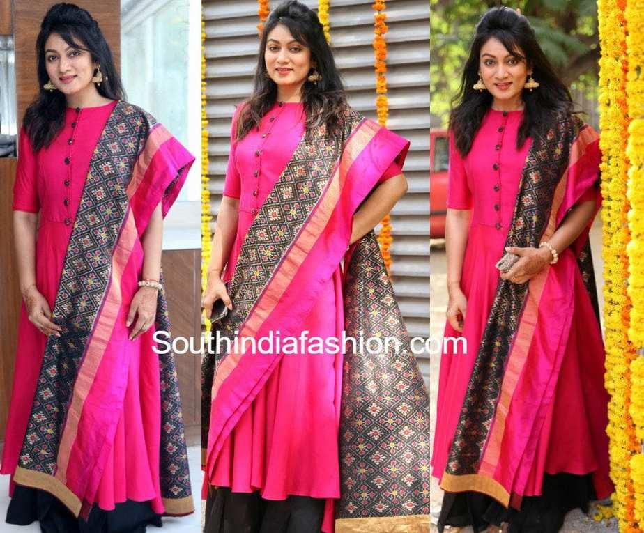Ashmita Karnani In A Pink Kurta And Ikat Dupatta South