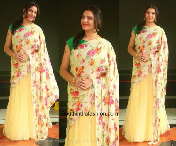 Geetha Madhuri in a half saree at Shankarabaranam awards 1