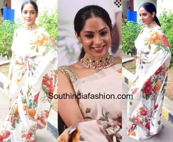 sriya reddy sabyasachi saree Andava Kaanom Audio Launch 600x493