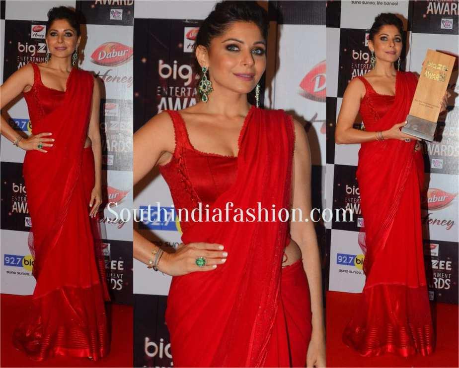 Kanika Kapoor at Big Zee Entertainment Awards 2017 TARUN TAHILIANI SAREE
