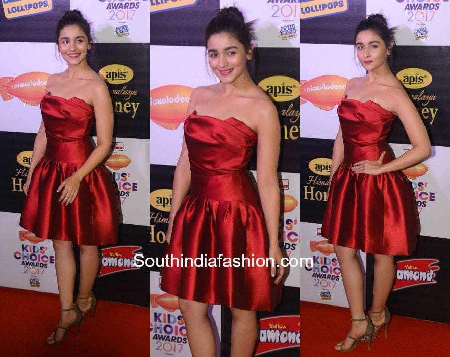 Alia Bhatt in Gauri and Nainika at Kids Choice Awards 2017