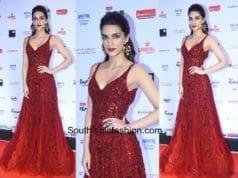 Kriti Sanon in Zara Umrigar at Filmfare Glamour and Style Awards 2017