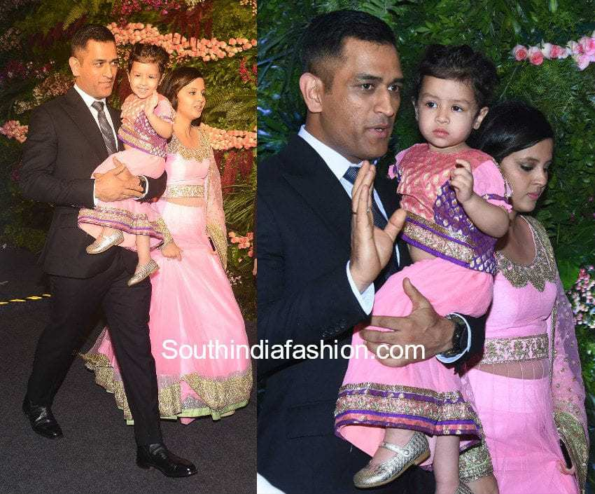 Ms Dhoni With Family At Anushka And Virats Wedding Reception