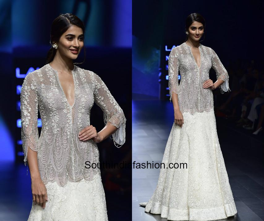 Pooja Hegde in Ridhi Mehra at Lakme Fashion 2018