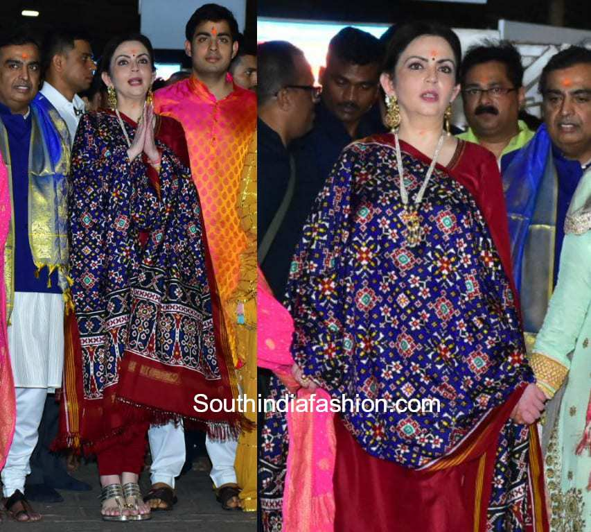 Nita Ambani at Siddhivinayalk Temple