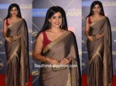 Sonali Kulkarni in a saree at Reel Movie Awards 2018