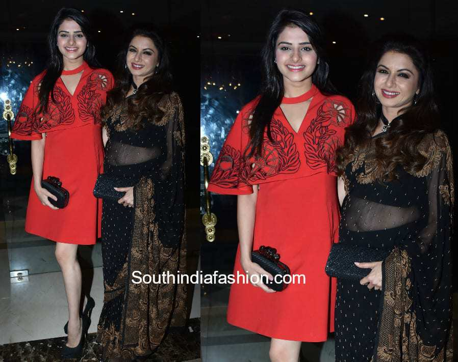 Bhagyashree with her daughter at Gr8 Beti Event
