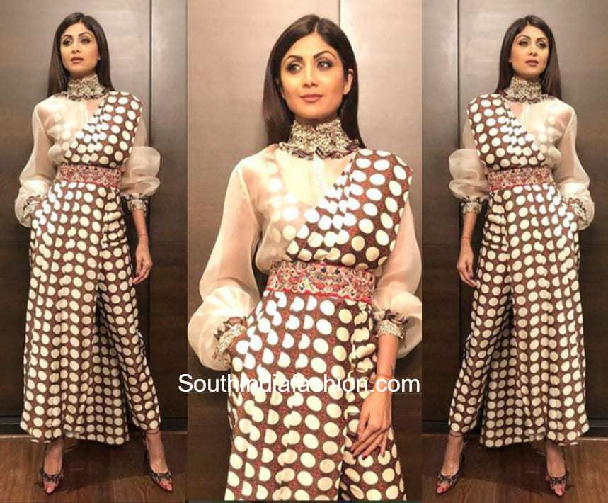 Shilpa Shetty in Anamika Khanna for Mid Day Guide Awards