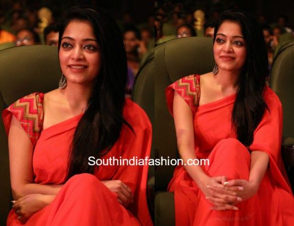 janani iyer red saree v4 mgr sivaji academy awards