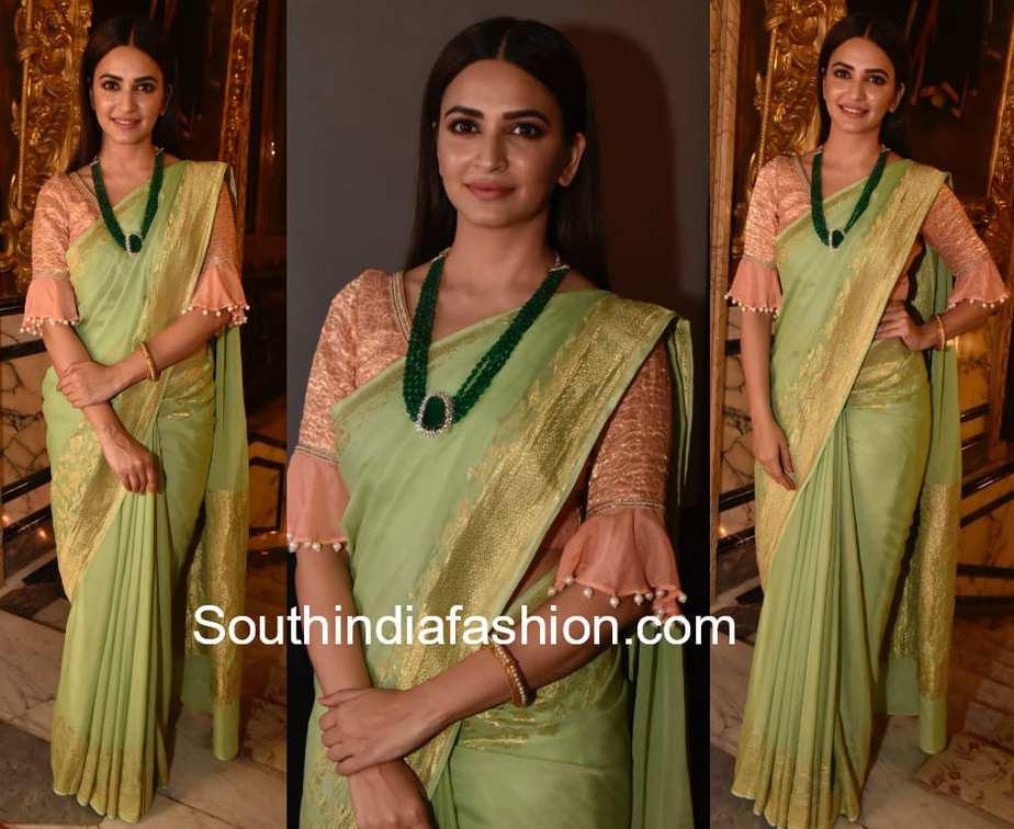 kriti kharbanda green banaras saree at teach for change event
