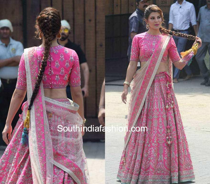 Jacqueline Fernandez Looks Pretty In Pink At Sonam Kapoors Wedding