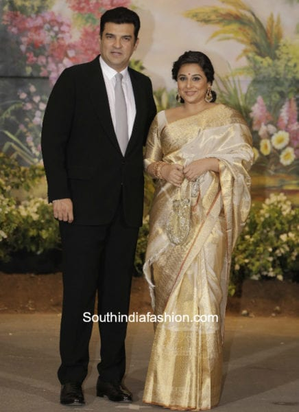 vidya balan in kanjivaram saree at sonam kapoor wedding reception