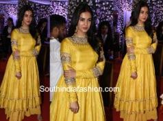 sonal chauhan yellow anarkali at baba siddique iftar party 2018