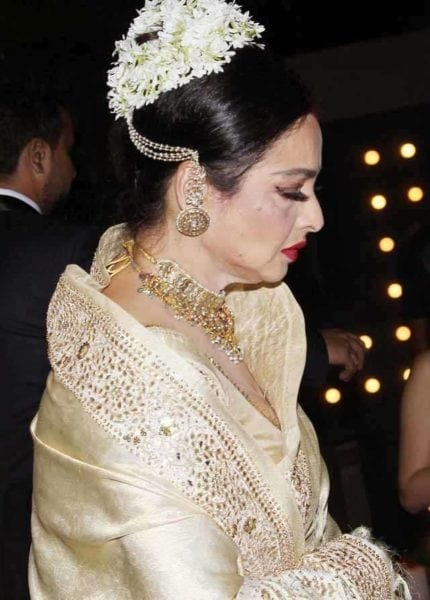 rekha high bun with gajra