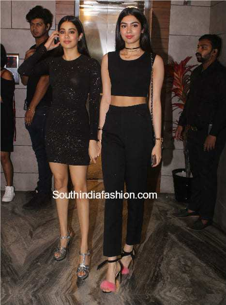 janhvi kapoor and khushi kapoor in black outfits at dhadak success meet