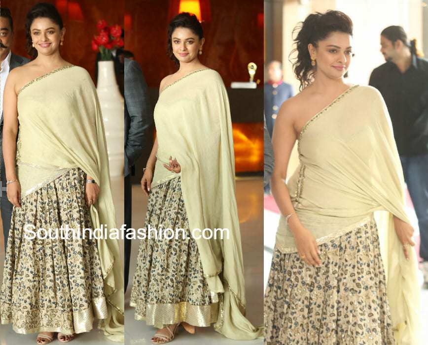 pooja kumar kalamkari lehenga at vishwaroopam 2 audio launch