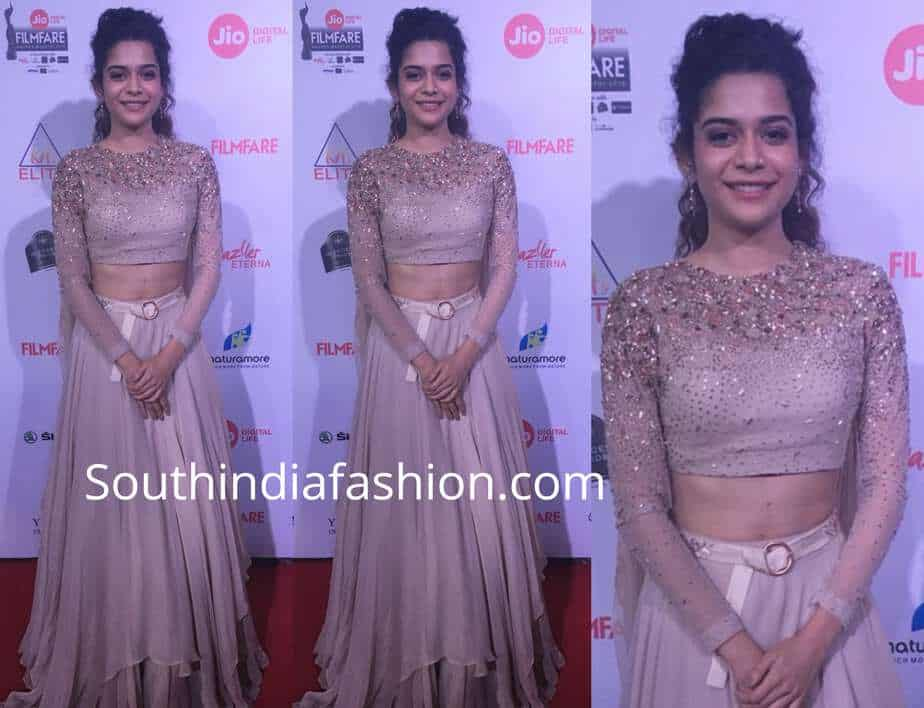 mithila palkar long skirt crop top jio filmfare awards marathi 2018