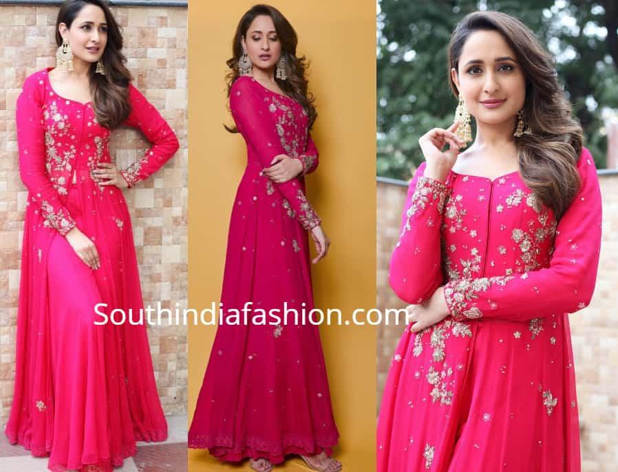 pragya jaiswal pink anarkali at her cousin wedding