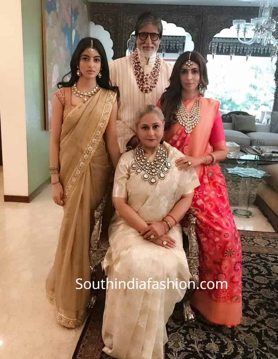 amitabh bachchan with family at isha ambani wedding