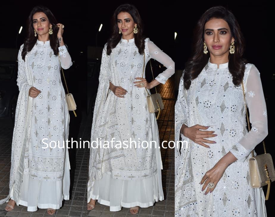 karishma tanna white dress at manikarnika screening