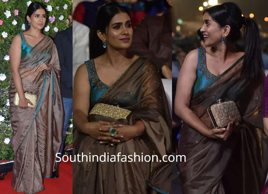 sonali kulkarni saree at umang police show