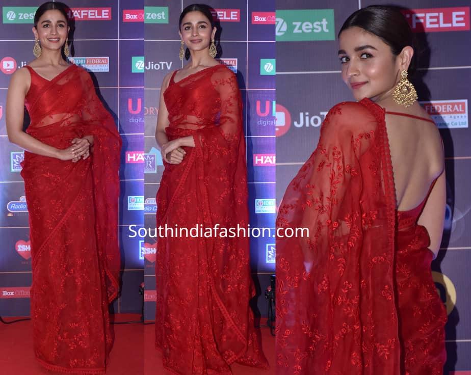alia bhatt in red sabyasachi saree at news 18 reel awards 2019
