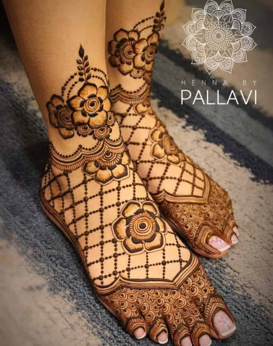 30 Mind Blowing Leg And Foot Mehndi Designs For Brides!