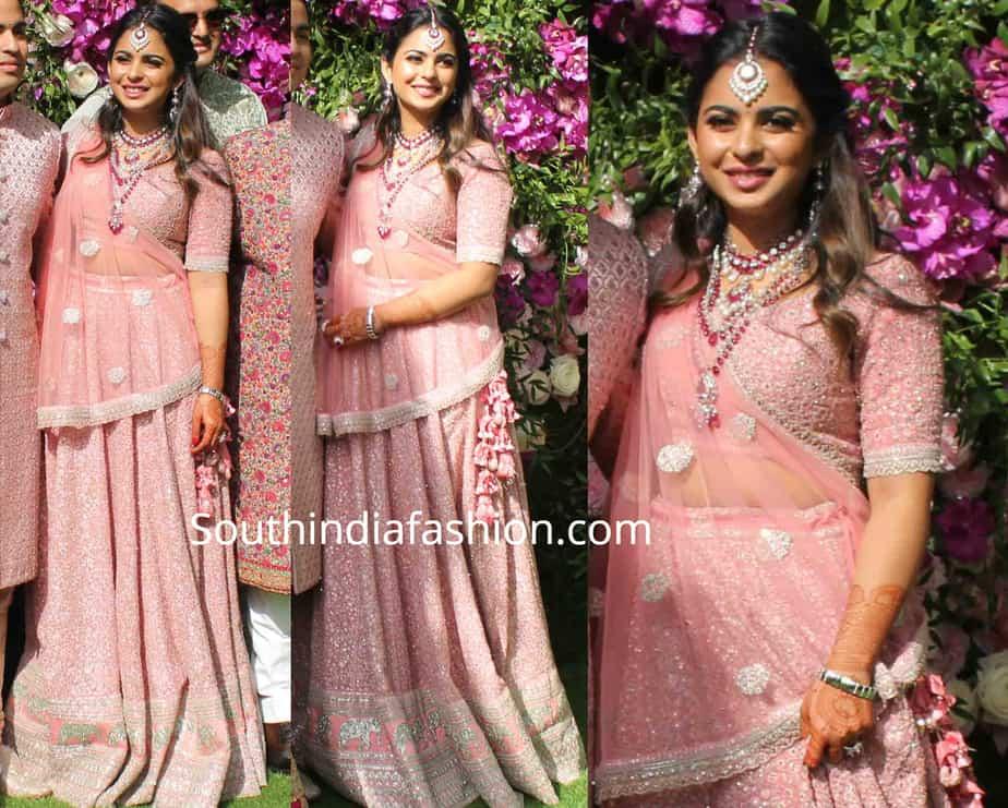 isha ambani in pink sabyasachi lehenga at akash ambani wedding reception