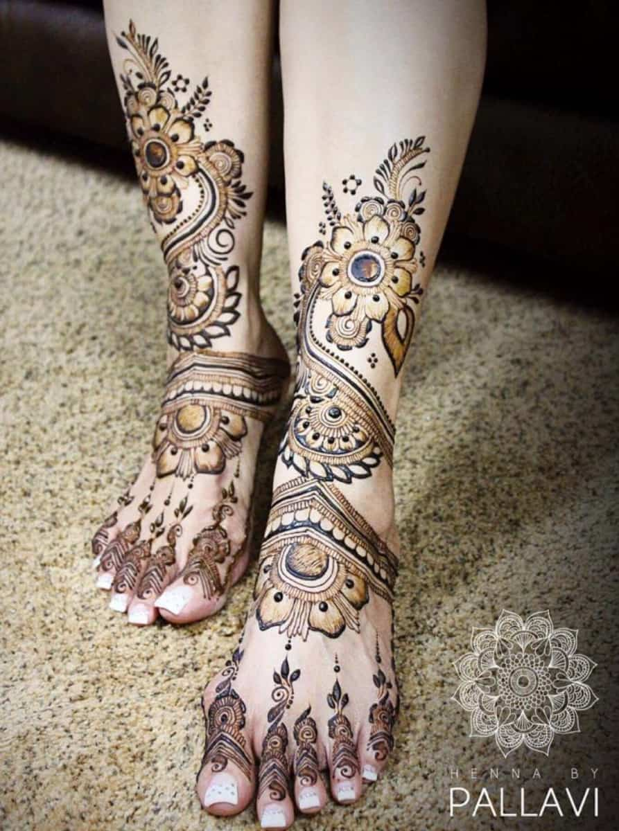 leg mehndi design simple and easy