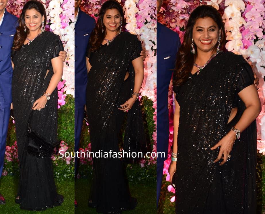 pinky reddy in black saree at akash ambani reception